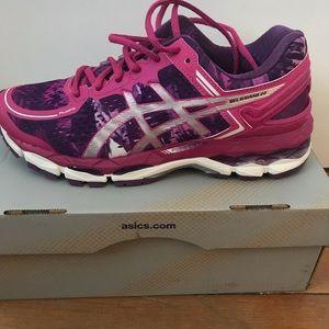 ASICS women's running sneaker never worn